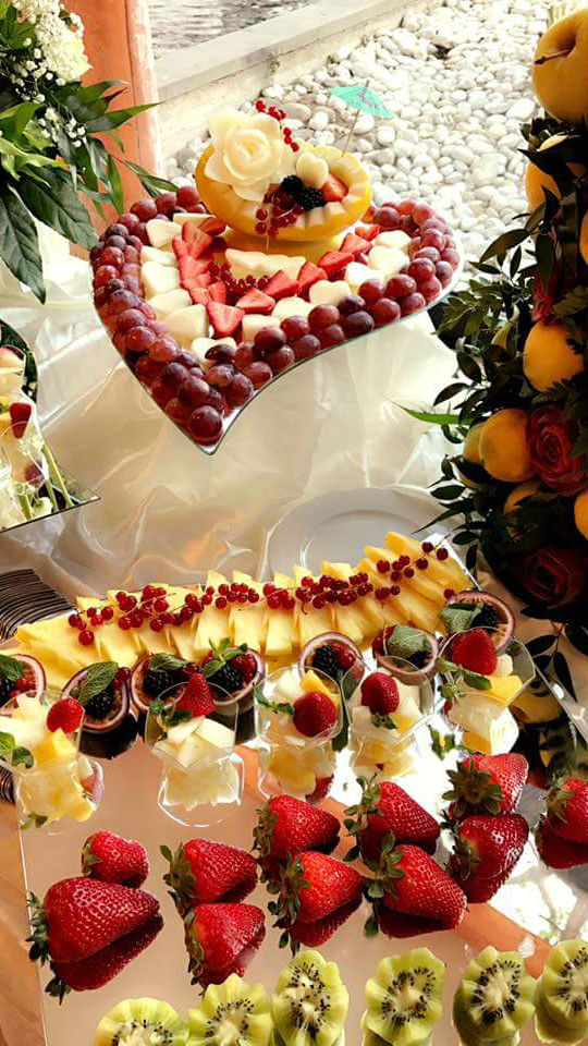 Buratti catering buffet frutta personalizzata