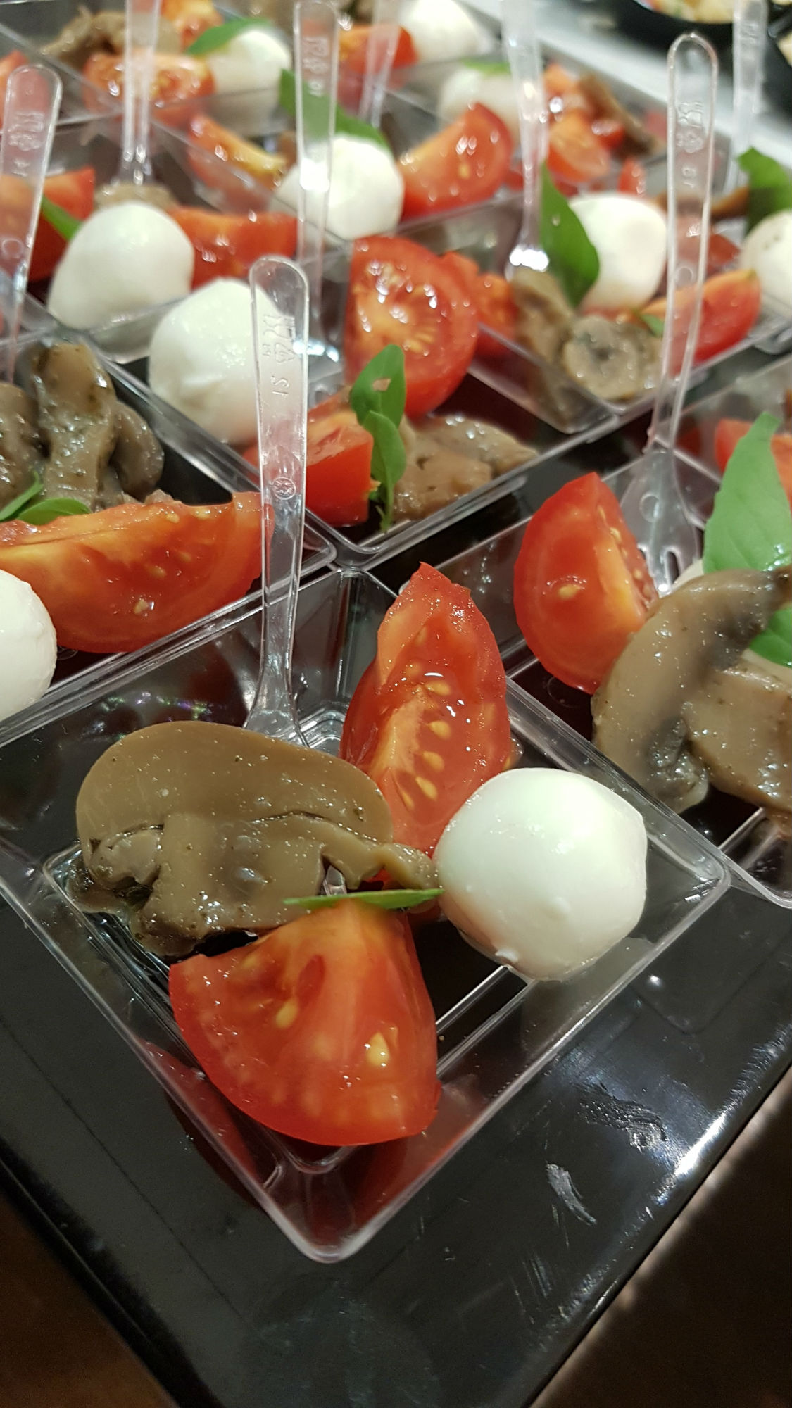 Buratti catering buffet frutta personalizzata finger food